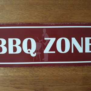 Metalen wandbord bbq zone