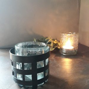 Houder van ijzer voor waxinelicht glaasje – Brynxz