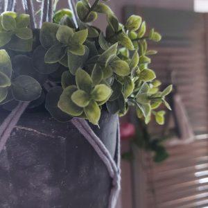 Macramé – Plantenhanger – Handgemaakt – Grijs